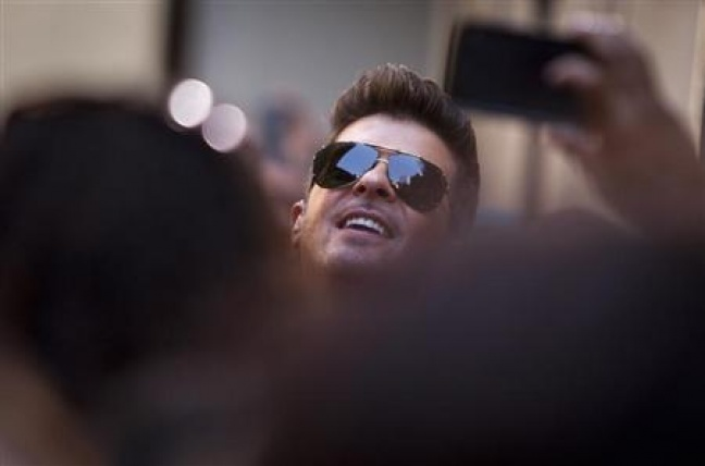 Singer Robin Thicke performs on NBC's ''Today'' show in midtown New York, July 30, 2013.